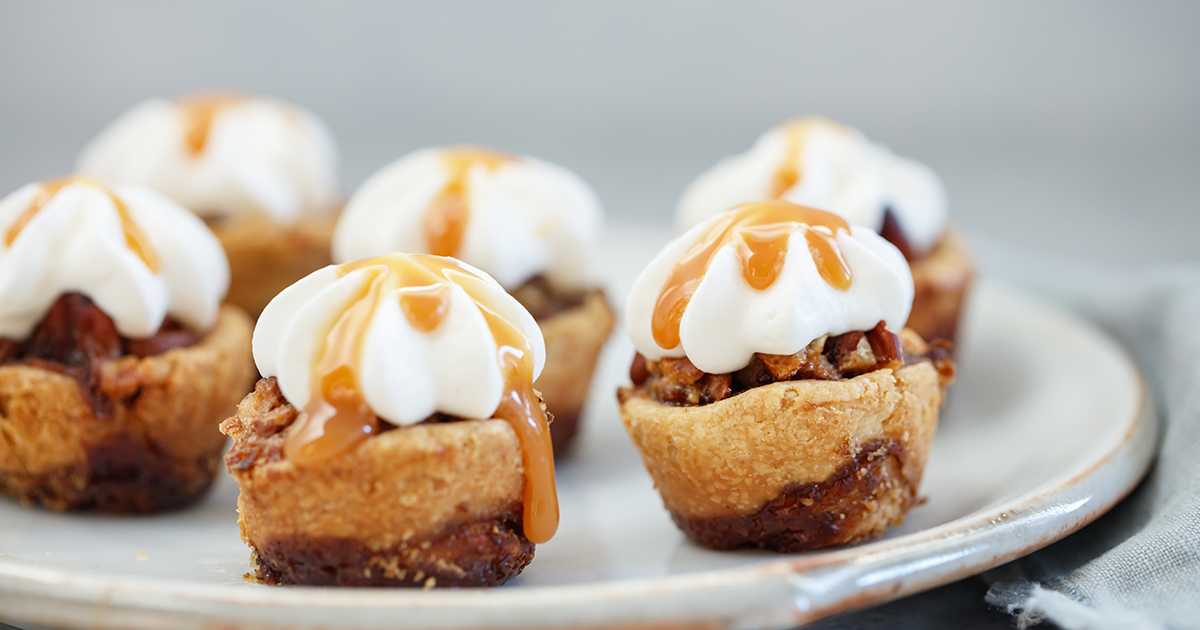 Mini Caramel Pecan Pies with Cinnamon Roll Pie Crust