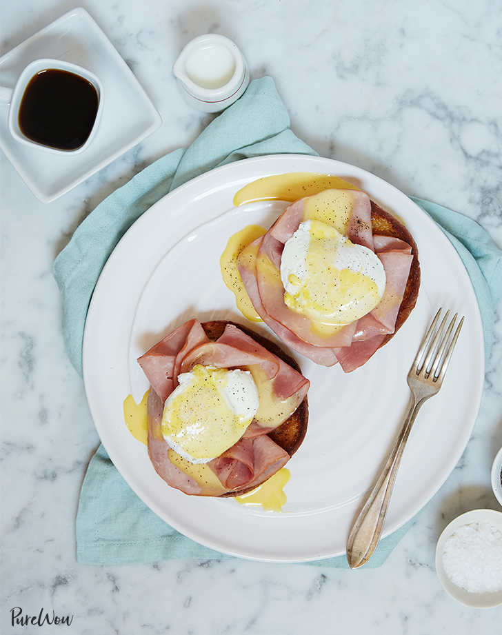 Eggs Benedict with Easy Hollandaise Sauce