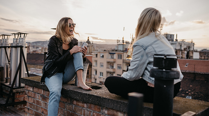 How You Make Friends, According to Your Zodiac Sign