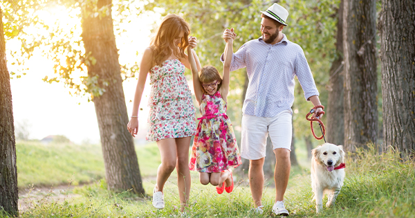 Dating Someone with Kids? Here's How to Do It Gracefully