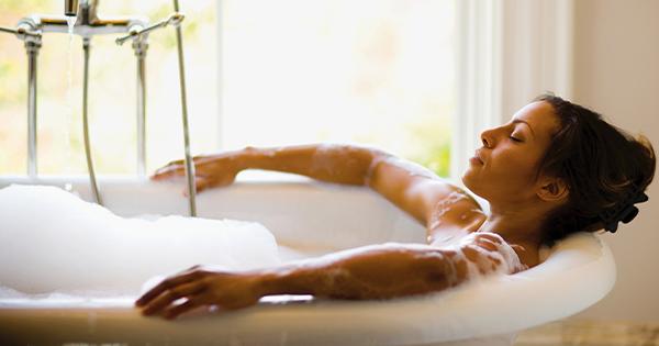 How to Make Homemade Bubble Bath for a Spa-Like Retreat – PureWow