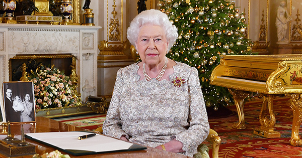 Extra, Extra: Queen Elizabeth Changes Her Outfit Up to 7 Times a Day on Christmas Holiday