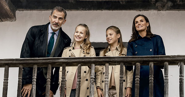 Forget Matching Sweaters, the Spanish Royal Family Is Making Christmas Card Trench Coats a Thing