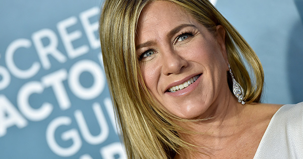 Jennifer Aniston Had the Perfect Hack for a Wrinkle-Free Gown at the SAG Awards