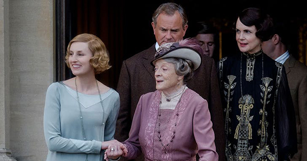 A 'Downton Abbey' Afternoon Tea Cookbook Is Coming so You Can Self-Distance Like the Aristocracy
