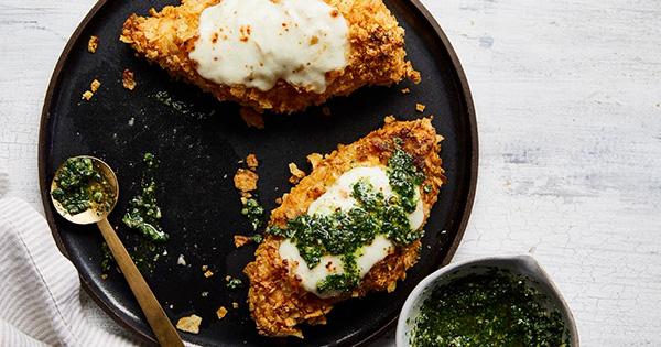 Potato-Chip Crusted Chicken with Arugula Pesto