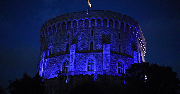 Queen Elizabeth Lit the Round Tower of Windsor Castle Bright Blue as a Tribute to Healthcare Workers