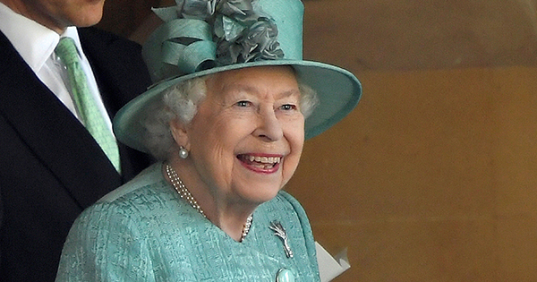 The One Food Queen Elizabeth Never Ever Eats, According to Her Former Chef