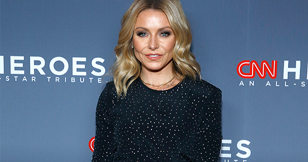 Kelly Ripa Recent 'Live' Ensemble Has Us Absolutely Ready for Fall (and a Pair of Yellow Pumps)
