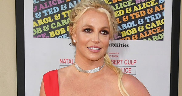 Britney Spears Posts Throwback with Little Sister Jamie & Young Justin Timberlake